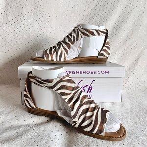 Blowfish Malibu Shoes Zebra Cutout Women Sandals